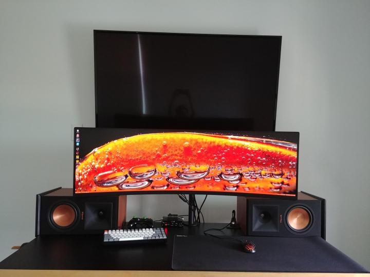 Show_Your_PC_Desk_UltlaWideMonitor_Part66_29.jpg
