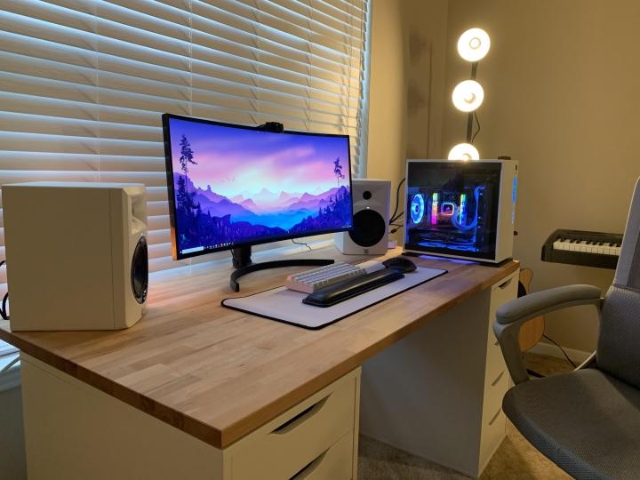 Show_Your_PC_Desk_UltlaWideMonitor_Part66_34.jpg