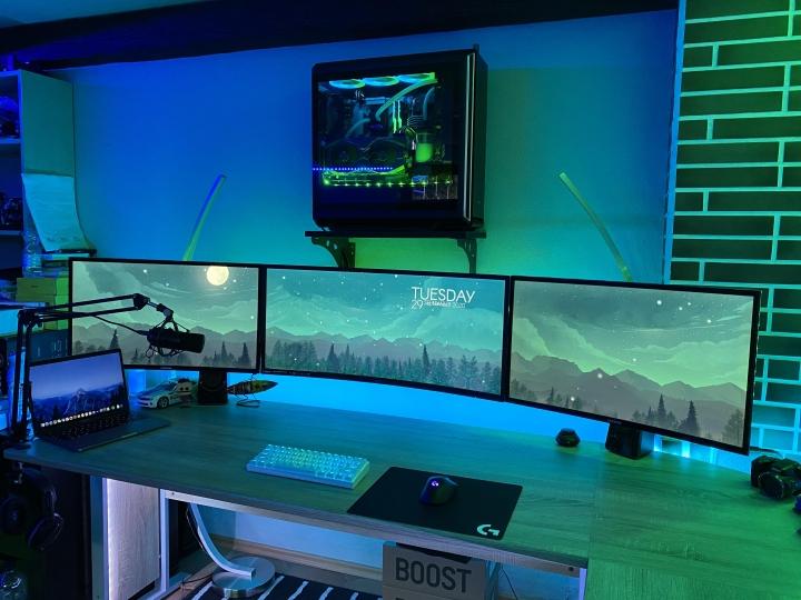 Show_Your_PC_Desk_UltlaWideMonitor_Part66_48.jpg