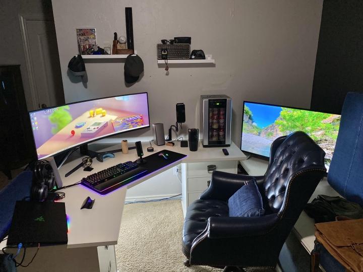 Show_Your_PC_Desk_UltlaWideMonitor_Part66_56.jpg