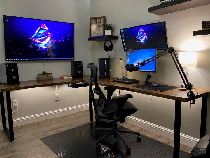 Show_Your_PC_Desk_UltlaWideMonitor_Part66_66.jpg