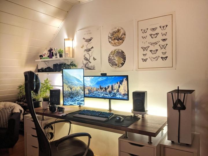 Show_Your_PC_Desk_UltlaWideMonitor_Part66_90.jpg