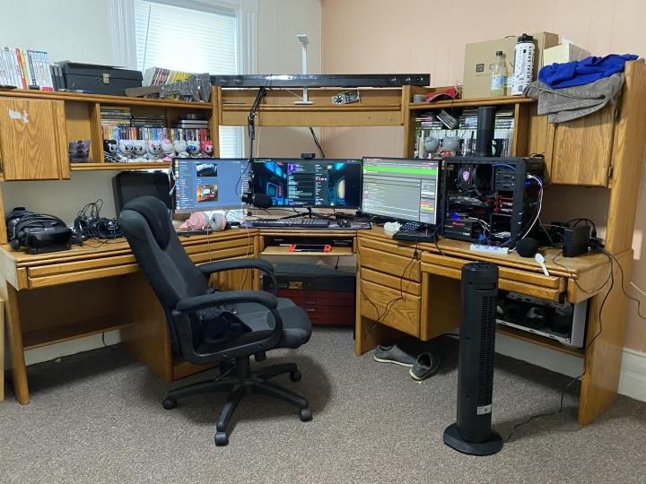 Show_Your_PC_Desk_UltlaWideMonitor_Part67_10.jpg