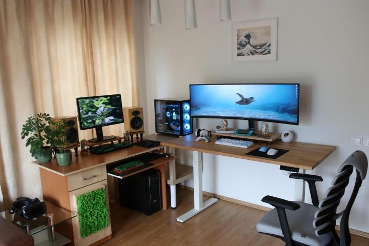 Show_Your_PC_Desk_UltlaWideMonitor_Part67_16.jpg