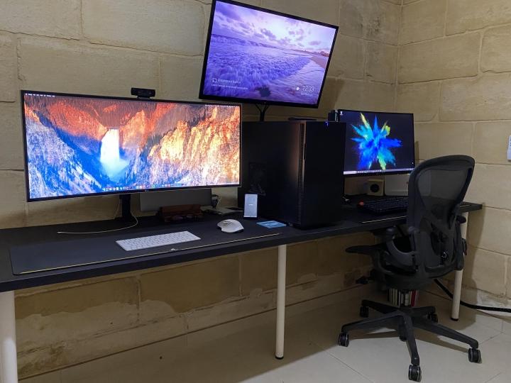 Show_Your_PC_Desk_UltlaWideMonitor_Part67_22.jpg
