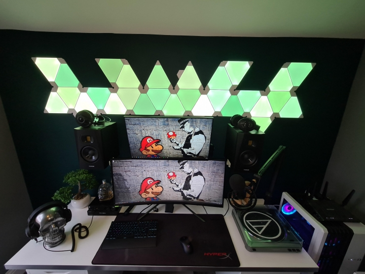 Show_Your_PC_Desk_UltlaWideMonitor_Part67_37.jpg