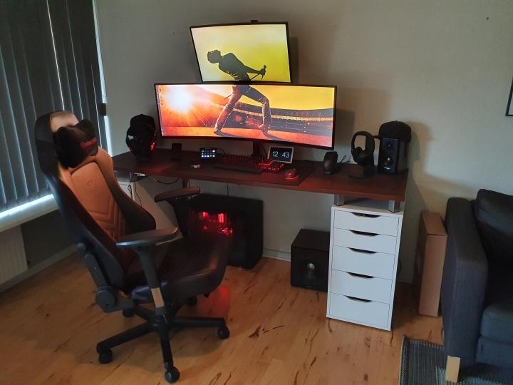 Show_Your_PC_Desk_UltlaWideMonitor_Part67_58.jpg