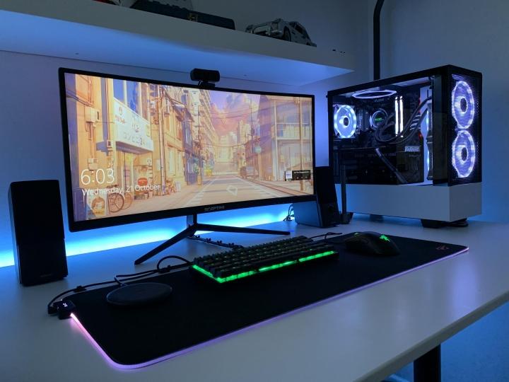 Show_Your_PC_Desk_UltlaWideMonitor_Part67_66.jpg