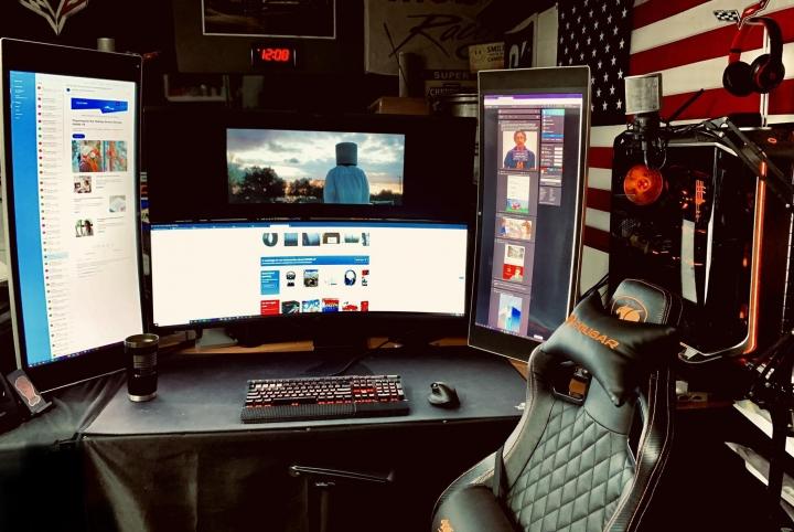 Show_Your_PC_Desk_UltlaWideMonitor_Part69_10.jpg
