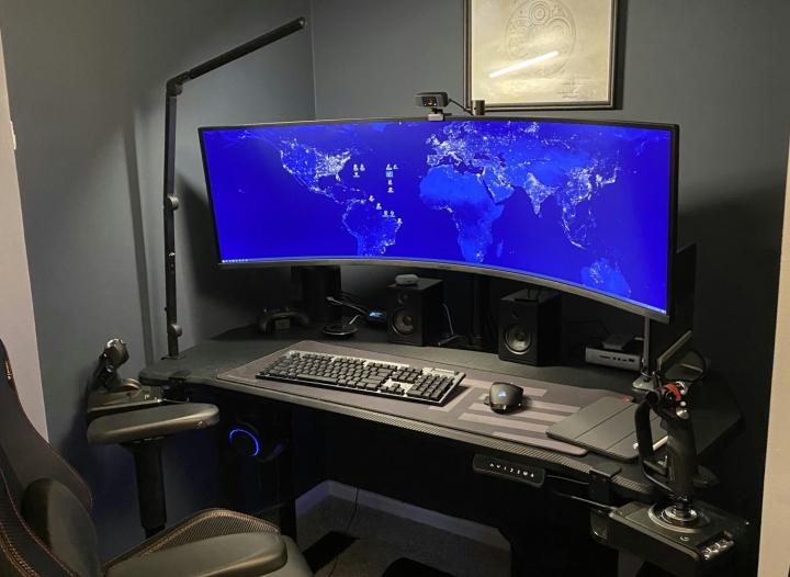Show_Your_PC_Desk_UltlaWideMonitor_Part69_17.jpg
