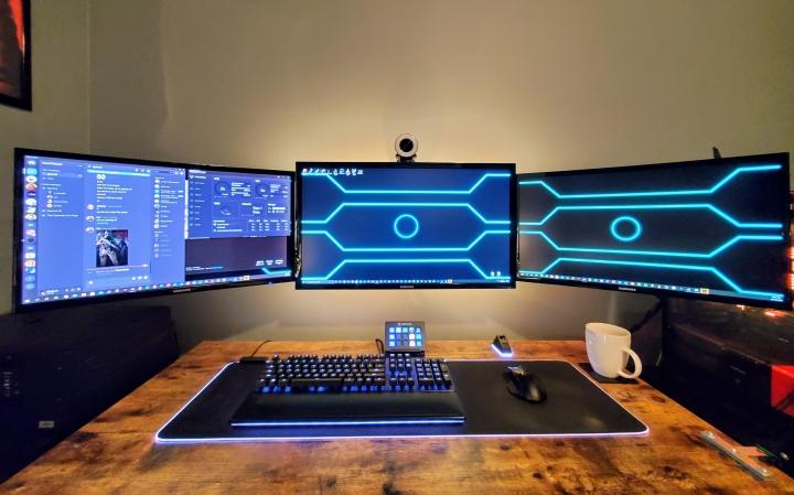 Show_Your_PC_Desk_UltlaWideMonitor_Part69_28.jpg