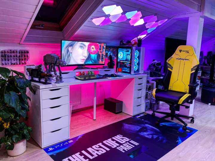 Show_Your_PC_Desk_UltlaWideMonitor_Part69_36.jpg