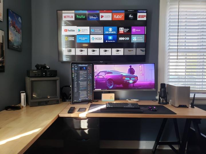 Show_Your_PC_Desk_UltlaWideMonitor_Part69_74.jpg