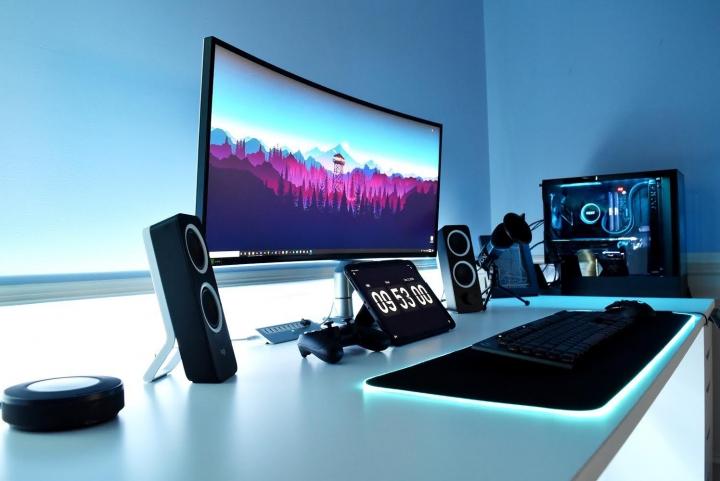 Show_Your_PC_Desk_UltlaWideMonitor_Part69_79.jpg