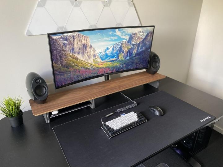 Show_Your_PC_Desk_UltlaWideMonitor_Part69_84.jpg