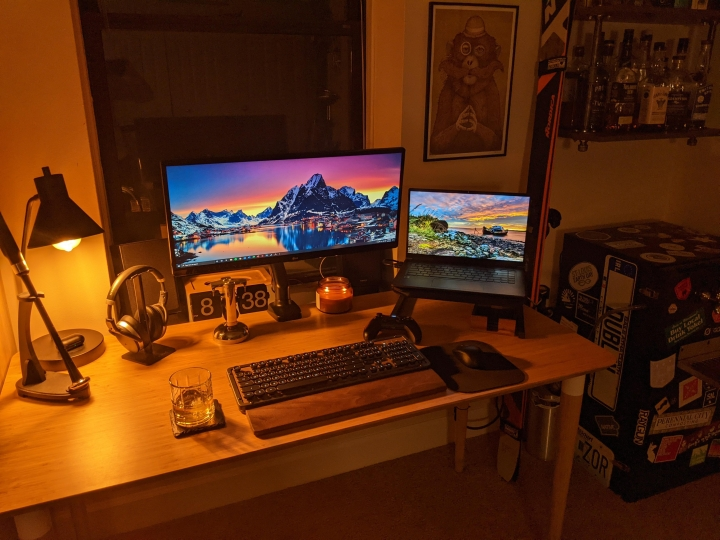 Show_Your_PC_Desk_UltlaWideMonitor_Part70_08.jpg