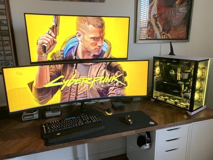 Show_Your_PC_Desk_UltlaWideMonitor_Part70_11.jpg