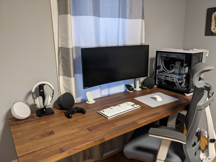 Show_Your_PC_Desk_UltlaWideMonitor_Part70_14.jpg