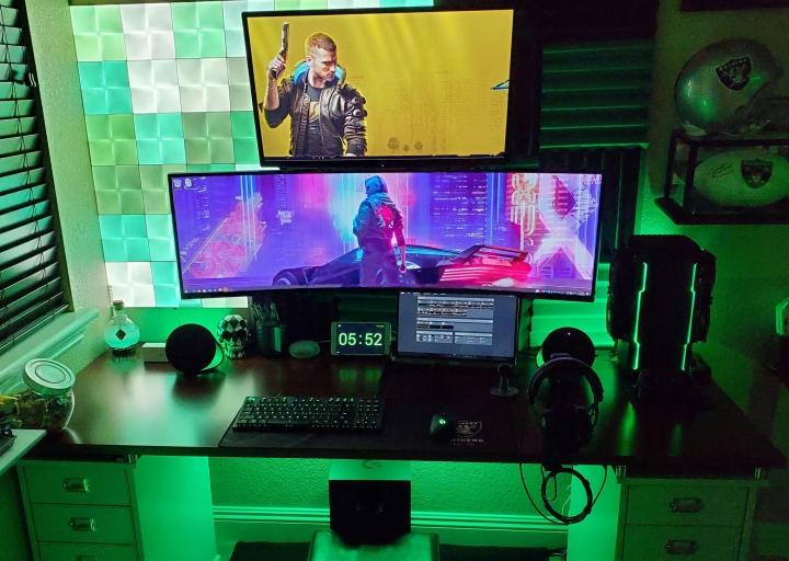 Show_Your_PC_Desk_UltlaWideMonitor_Part70_36.jpg