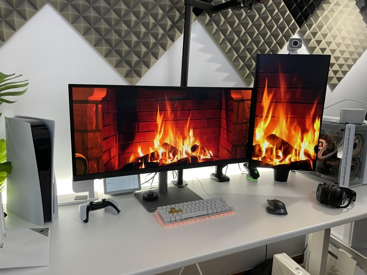 Show_Your_PC_Desk_UltlaWideMonitor_Part70_37.jpg