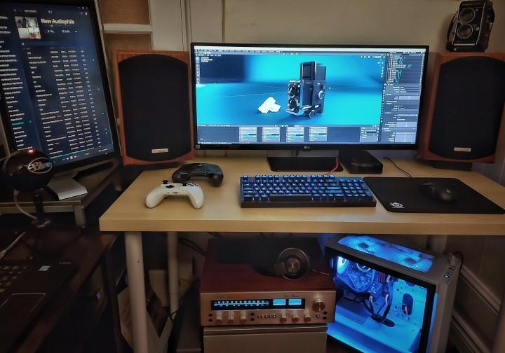 Show_Your_PC_Desk_UltlaWideMonitor_Part70_44.jpg