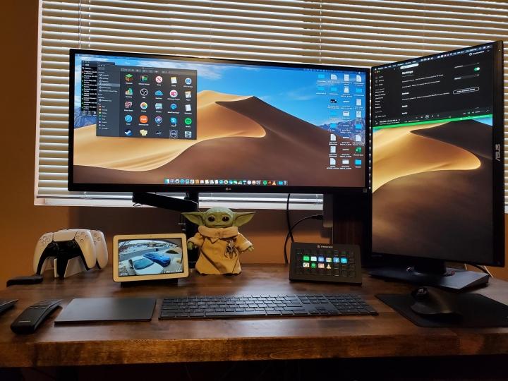 Show_Your_PC_Desk_UltlaWideMonitor_Part70_51.jpg