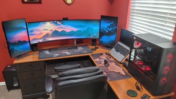 Show_Your_PC_Desk_UltlaWideMonitor_Part70_61.jpg