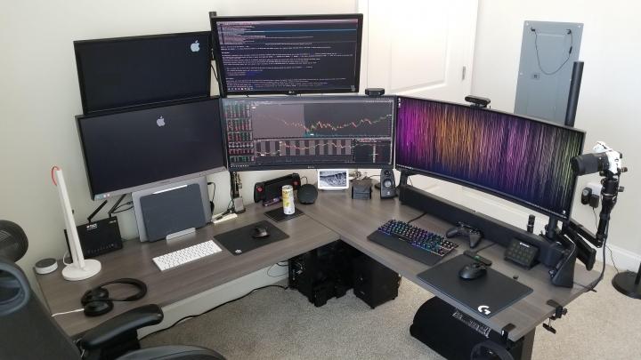 Show_Your_PC_Desk_UltlaWideMonitor_Part70_63.jpg