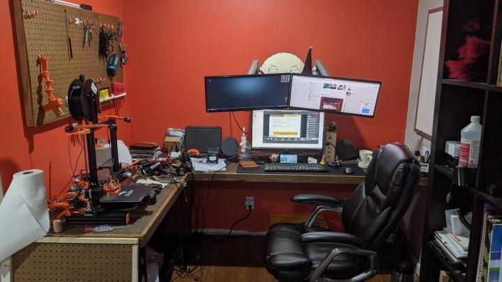 Show_Your_PC_Desk_UltlaWideMonitor_Part70_74.jpg
