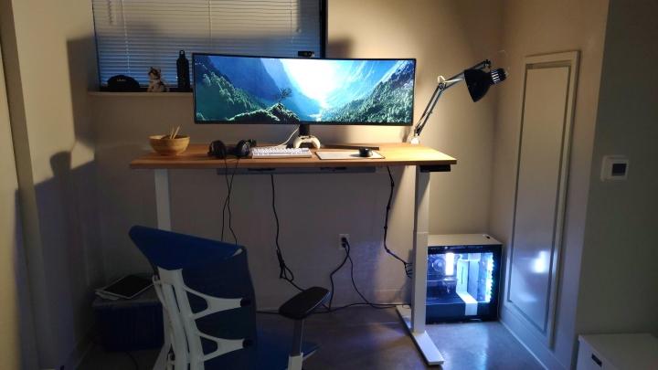Show_Your_PC_Desk_UltlaWideMonitor_Part70_76.jpg