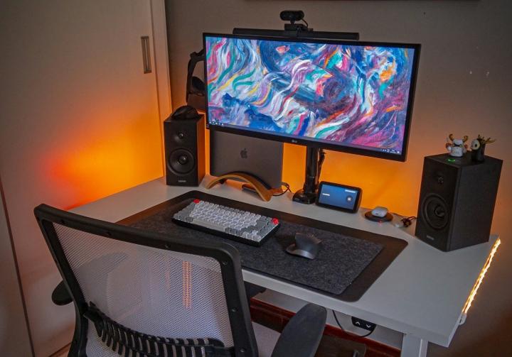 Show_Your_PC_Desk_UltlaWideMonitor_Part70_87.jpg
