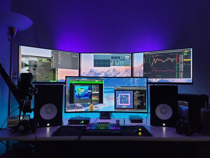 Show_Your_PC_Desk_UltlaWideMonitor_Part70_93.jpg