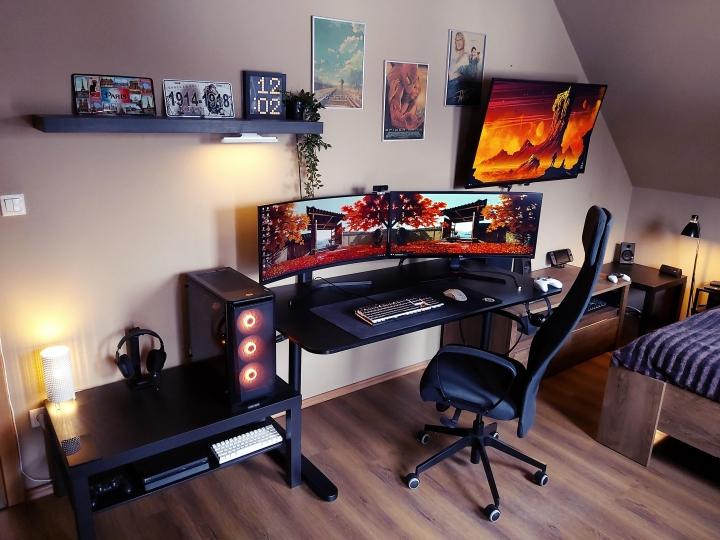 Show_Your_PC_Desk_UltlaWideMonitor_Part71_100.jpg