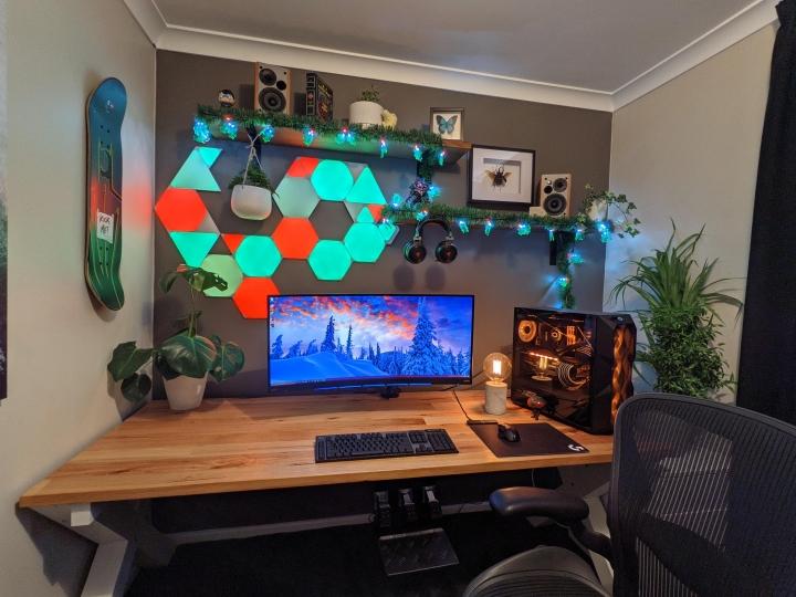 Show_Your_PC_Desk_UltlaWideMonitor_Part71_11.jpg