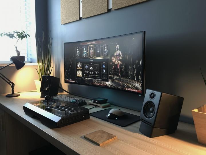 Show_Your_PC_Desk_UltlaWideMonitor_Part71_15.jpg