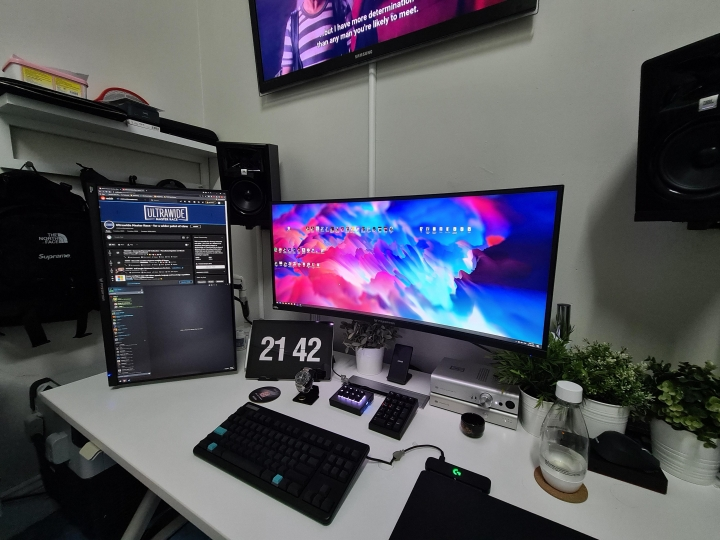 Show_Your_PC_Desk_UltlaWideMonitor_Part71_28.jpg