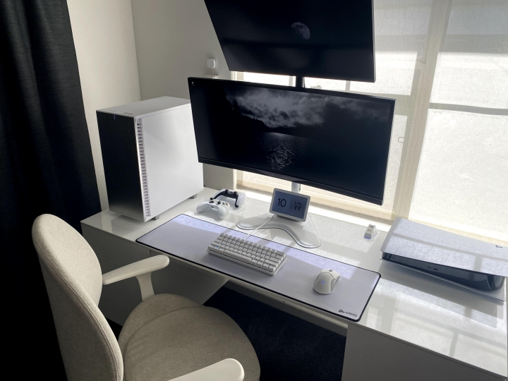 Show_Your_PC_Desk_UltlaWideMonitor_Part71_34.jpg