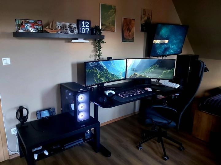 Show_Your_PC_Desk_UltlaWideMonitor_Part71_45.jpg