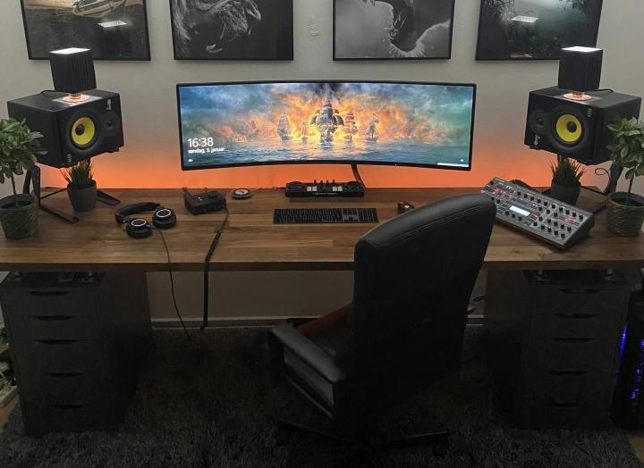 Show_Your_PC_Desk_UltlaWideMonitor_Part71_48.jpg