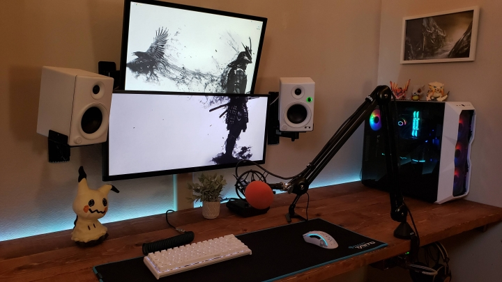 Show_Your_PC_Desk_UltlaWideMonitor_Part71_79.jpg