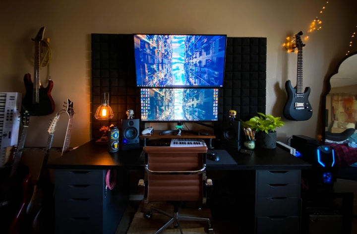 Show_Your_PC_Desk_UltlaWideMonitor_Part71_96.jpg