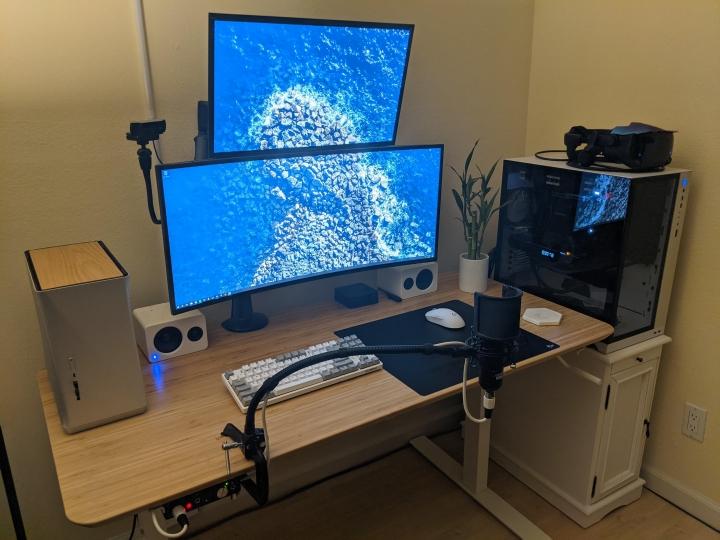 Show_Your_PC_Desk_UltlaWideMonitor_Part72_12.jpg