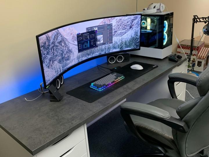 Show_Your_PC_Desk_UltlaWideMonitor_Part72_19.jpg