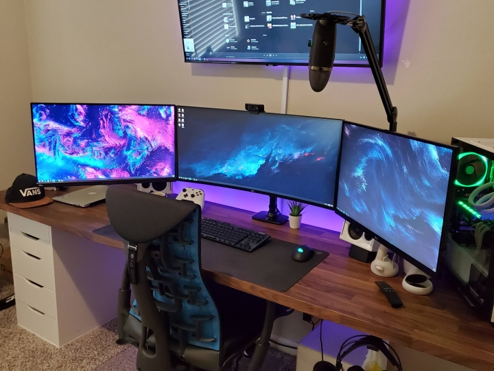 Show_Your_PC_Desk_UltlaWideMonitor_Part72_23.jpg