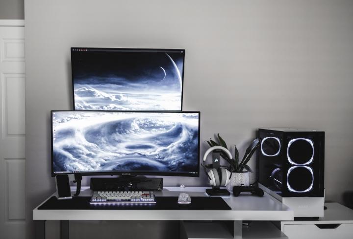 Show_Your_PC_Desk_UltlaWideMonitor_Part72_33.jpg