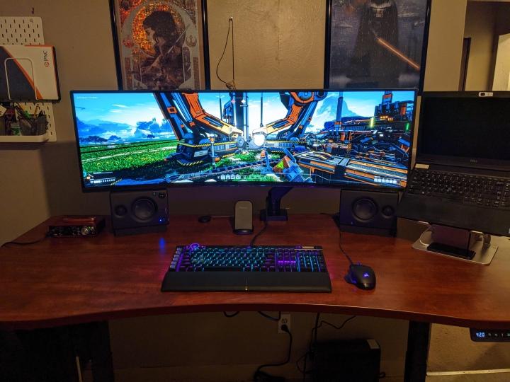 Show_Your_PC_Desk_UltlaWideMonitor_Part72_75.jpg