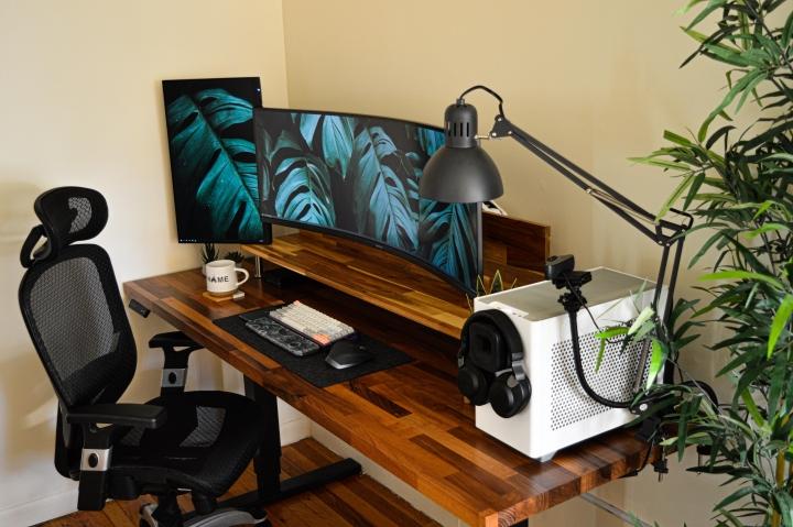 Show_Your_PC_Desk_UltlaWideMonitor_Part72_82.jpg