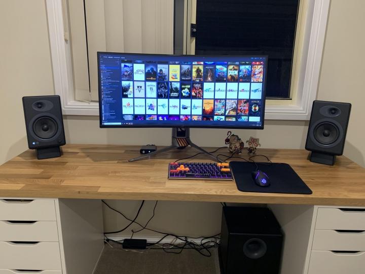 Show_Your_PC_Desk_UltlaWideMonitor_Part72_94.jpg