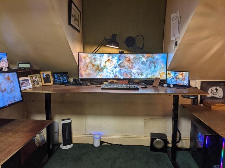 Show_Your_PC_Desk_UltlaWideMonitor_Part73_26.jpg