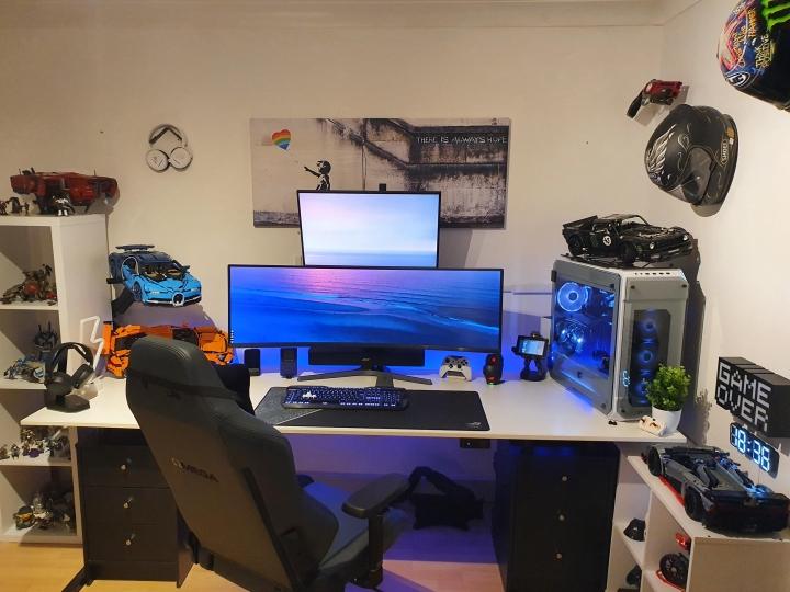 Show_Your_PC_Desk_UltlaWideMonitor_Part73_39.jpg